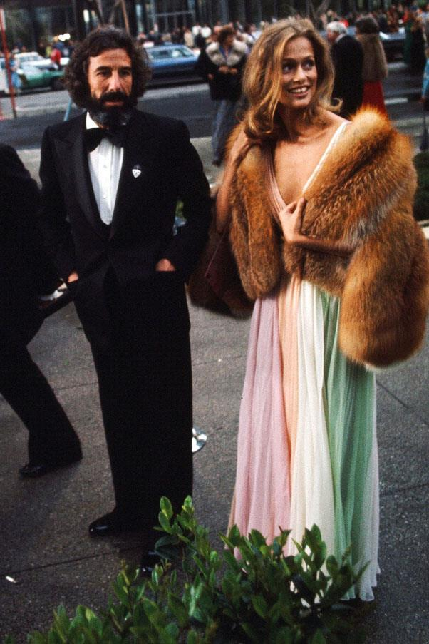 <strong>1975:</strong> <br><br> Lauren Hutton in Halston