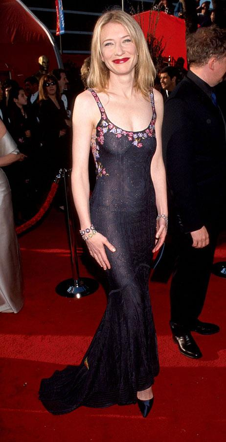 <strong>1999:</strong> <br><br> Cate Blanchett in John Galliano