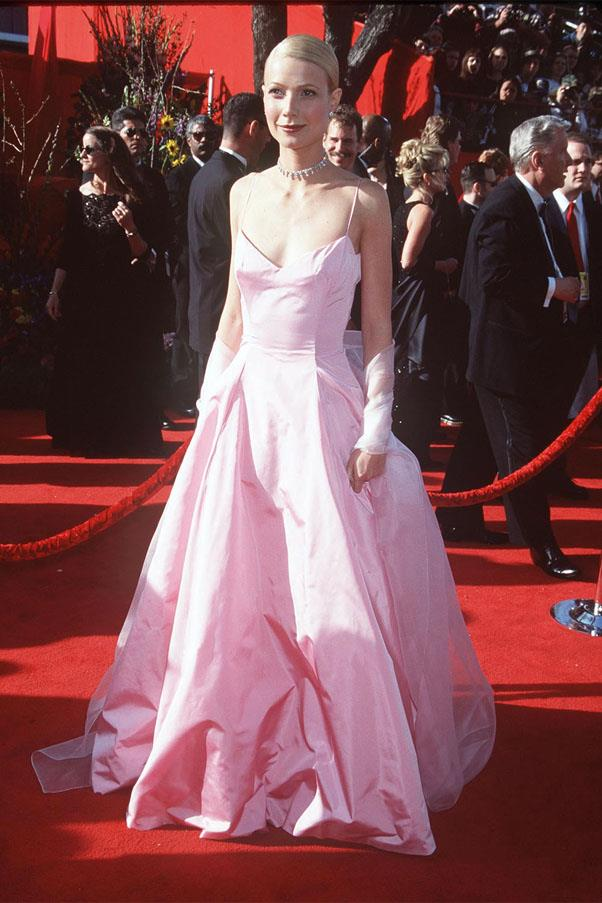 <strong>1999:</strong> <br><br> Gwyneth Paltrow in Ralph Lauren