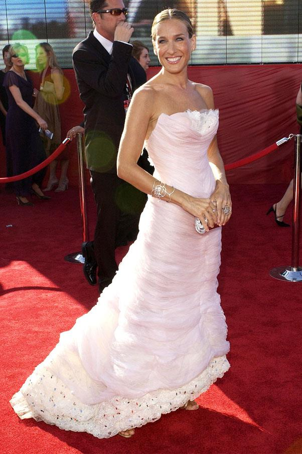 <strong>2003:</strong> <br><br> Sarah Jessica Parker in Chanel Couture