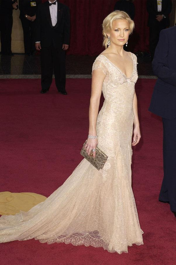 <strong>2003:</strong> <br><br> Kate Hudson in Versace