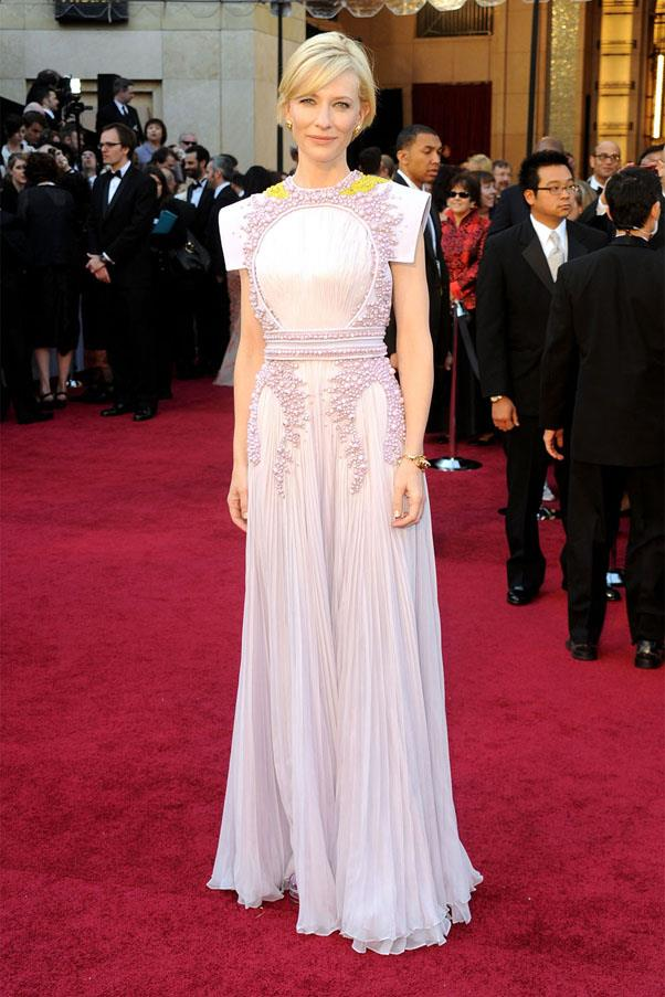 <strong>2011:</strong> <br><br> Cate Blanchett in Givenchy Haute Couture