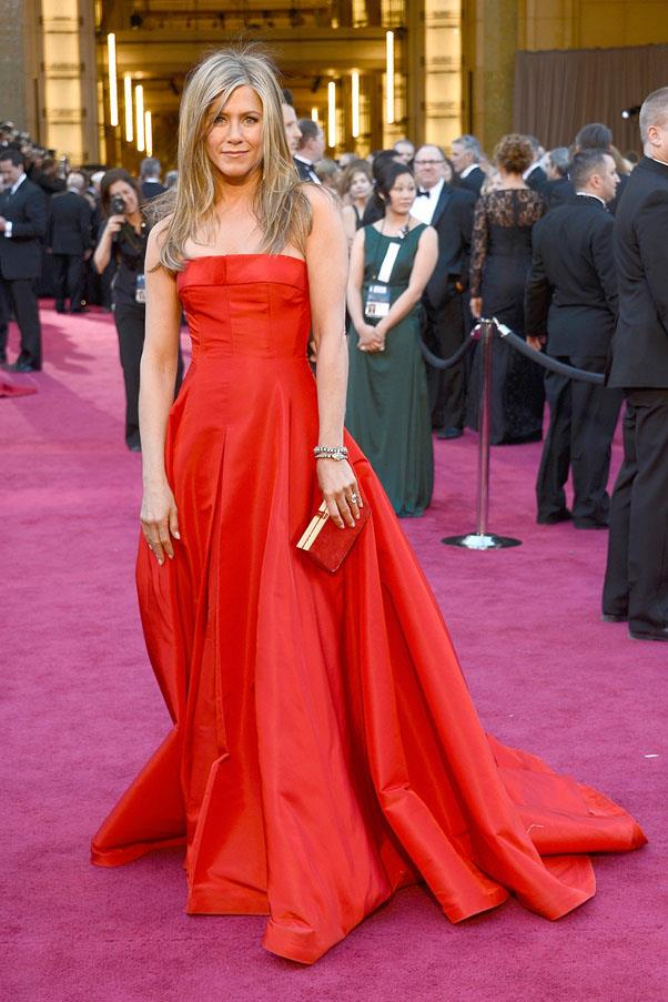 <strong>2013:</strong> <br><br> Jennifer Aniston in Valentino Haute Couture