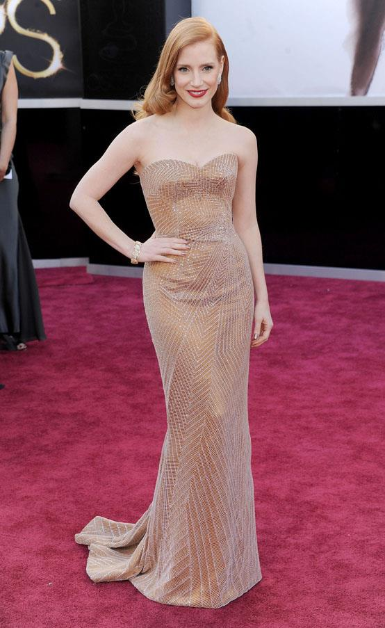 <strong>2013:</strong> <br><br> Jessica Chastain in Armani Prive