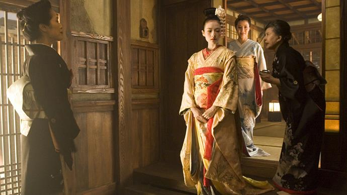 The masterful use of silks and cottons with pin-point historical accuracy by Colleen Atwood snagged her an Oscar for <em>Memoirs of a Geisha</em>.