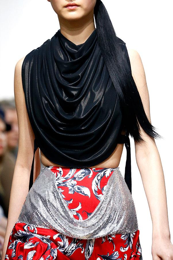 Draping and chainmail details.
