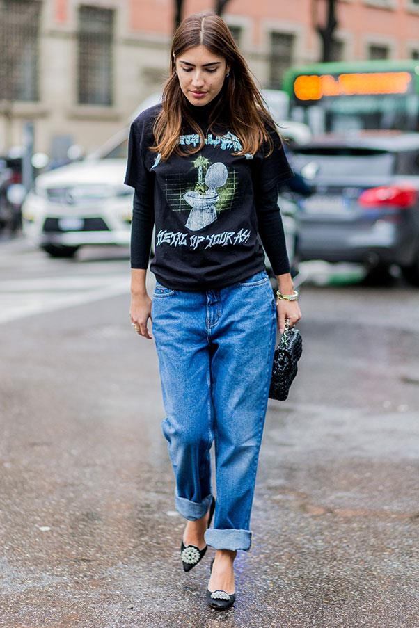 <strong>4. Say no to skinny jeans</strong><br><br> You're far more likely to see an Italian woman in oversized denim than skin tight skinny jeans. Why? Because wearing your jeans a size two big is actually incredibly flattering on your legs. Just keep it simple up top.<br><br> Patricia Manfield