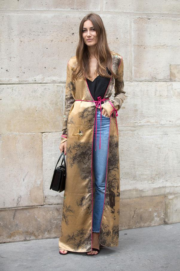<strong>5.  Know when to reign it in</strong><br><br> Italian women love an element of drama in their outfits but also know the power of not going <em>too</em> OTT. Wearing a floor-skimming embellished kimono? Totally fine, if you pop on a pair of blue jeans underneath. <br><br> Patricia Manfield