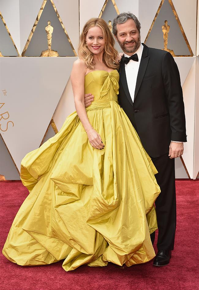 "<strong>Leslie Mann: </strong> <br><br> ""I never thought I would be saying this but, IMO, Leslie Mann won this year's Oscars red carpet. Sure, her Oscar de la Renta gown was extravagant and bordered on 'princess' level, but the on-trend colour selection and divine drape detailing takes this dress out of Disney and into the realm of show stopper."" — Natasha Harding, digital fashion writer"