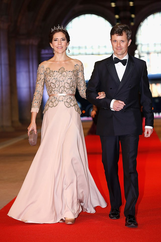 <strong>Crown Princess Mary of Denmark</strong> <br><br> Mary Donaldson worked at Australian and global advertising agencies after graduating from university. For a time she was on the management team at real estate firm Belle Property, and also taught English at a business school in Paris.