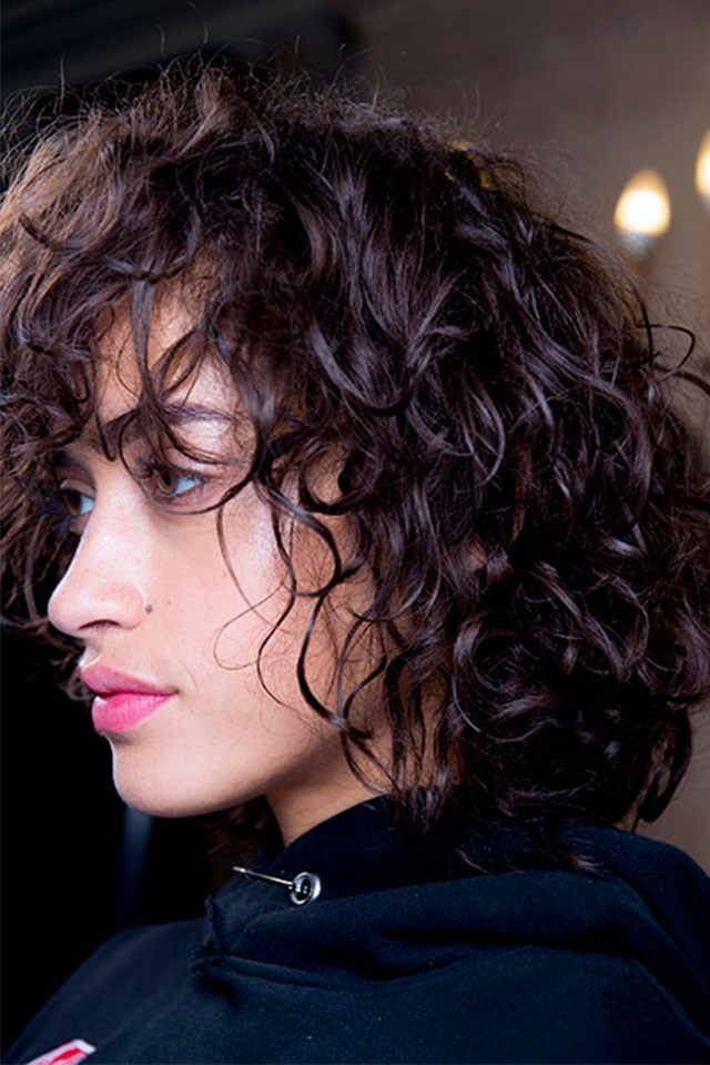 "5. You need at least 3 products to deal with curly hair: a <a href=""http://www.oribe.com/supershine-light-moisturizing-cream.html"">leave in moisture treatment,</a> something for hold—be it a <a href=""http://mecca.com.au/bumble-and-bumble/curl-conditioning-mousse/I-023282.html"">mousse</a>, spray or gel—and a finishing spray like <a href=""https://david-mallett.com/en/styling-finish/15-australian-salt-spray.html"">sea spray</a> or regular hair spray."
