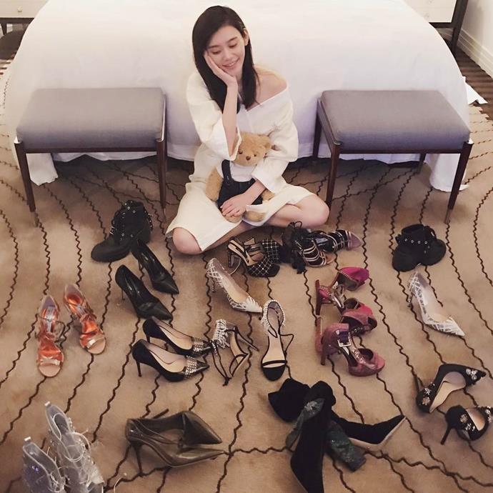"""Ming Xi had a shoe dilemma. <br><br> Image: <a href=""""https://www.instagram.com/p/BRTeqO-D470/"""">@mingxi11</a>"""