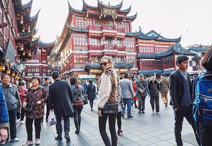 "Josephine Skriver enjoyed a few more tourist-y moments. <br><br> Image: <a href=""https://www.instagram.com/p/BRZlw4ijVaS/"">@josephineskriver</a>"