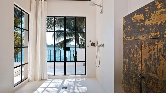 "<em>Images courtesy of <a href=""https://www.zillow.com/homedetails/4452-N-Bay-Rd-Miami-Beach-FL-33140/43888642_zpid/"">Douglas Elliman</a>.</em>"