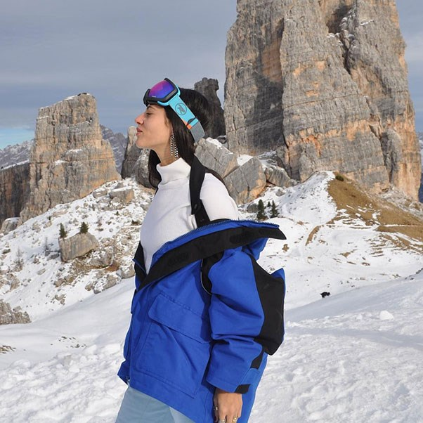 <strong>Gilda Ambrosio</strong><br><br> The Italian beauty wears Italian label Falconeri and Balenciaga to hit the slopes.