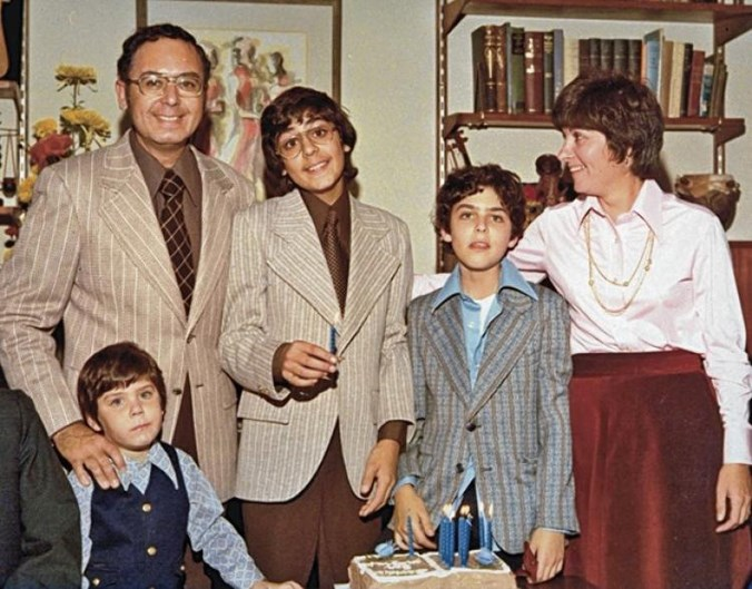 <strong>Capturing the Friedmans (2003)</strong> <BR><BR> <strong>What kind?</strong> Biography, crime <BR><BR> <strong>What's it about?</strong> A look at the family who looked completely normal until the father and youngest son were arrested and charged for shocking crimes.