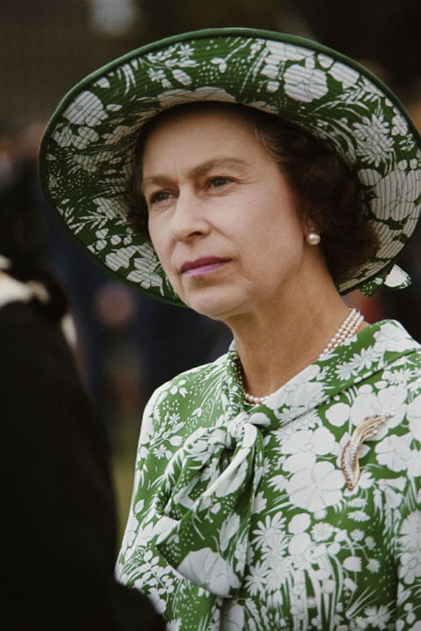 <strong>SAFARI GREEN</strong> <p><p> Archives prove that Queen Elizabeth was partial to green and all of its interpretations — including viridescent shades like this one, in a floral-inspired print.