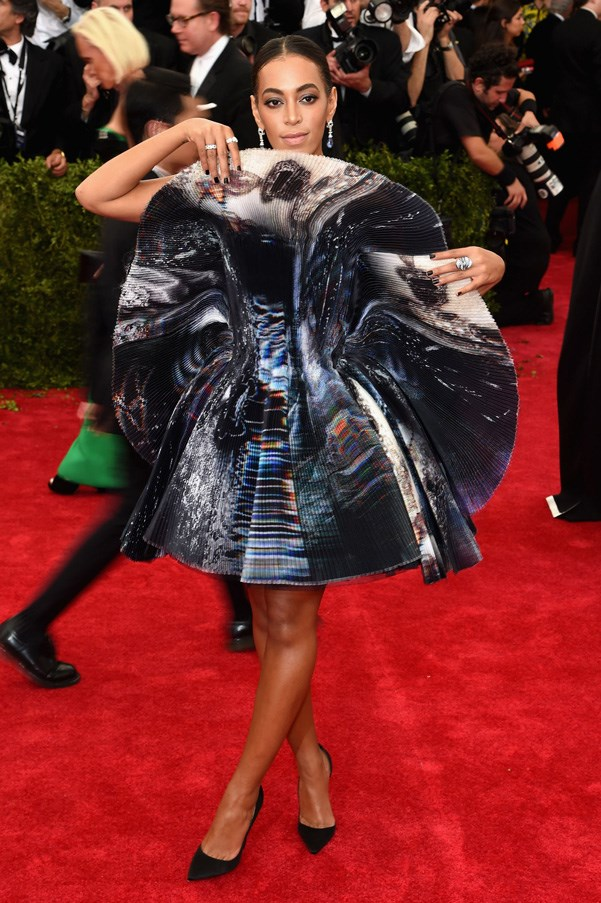 <strong>2015</strong> <br><br> When Solange went futuristic in this sculptural Giles dress.