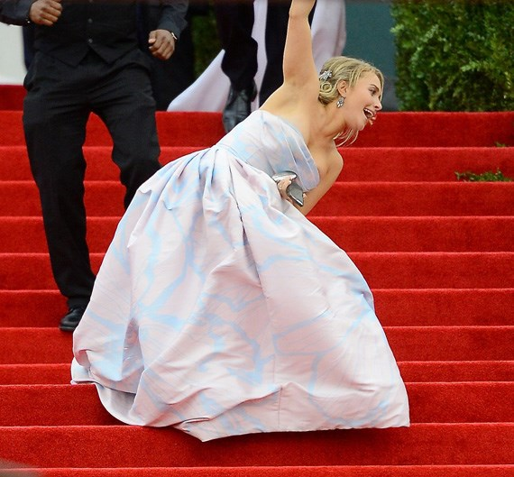 <strong>2014</strong> <br><br> When Hayden Panettiere took a tumble down the red-carpeted steps.
