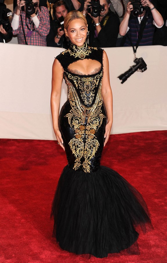 <strong>2011</strong> <br><br> When Beyoncé's Emilio Pucci mermaid gown was so tight she could barely walk up the stairs.