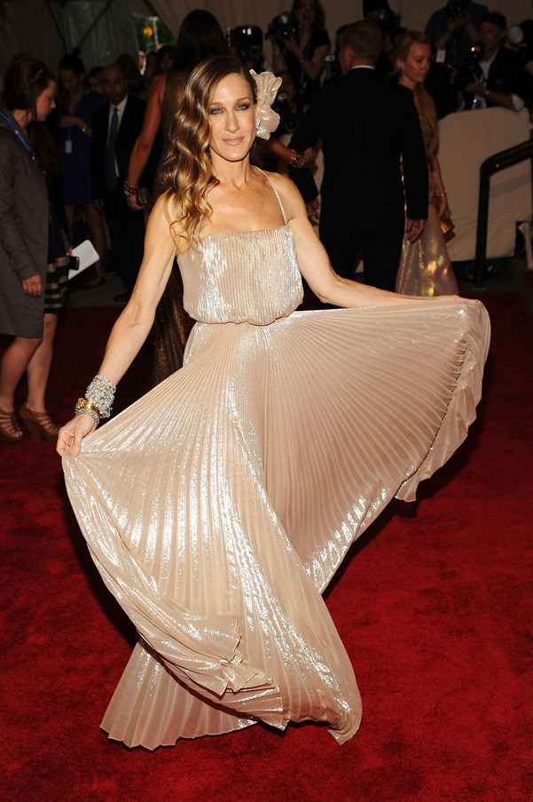 <strong>2010</strong> <br><br> When Sarah Jessica Parker was a '70s disco dream queen in shimmering peach Halston Heritage.
