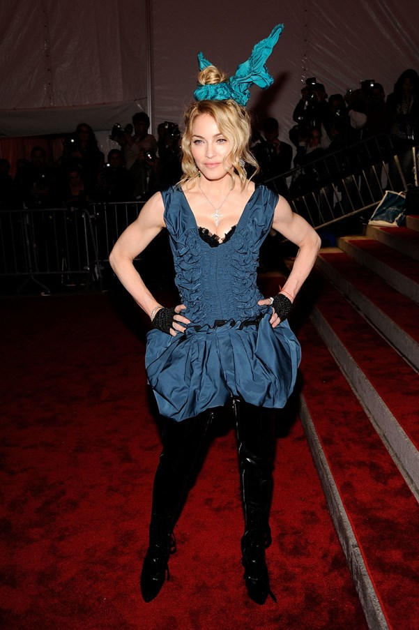 <strong>2009</strong> <br><br> When Madonna wore this on her head.