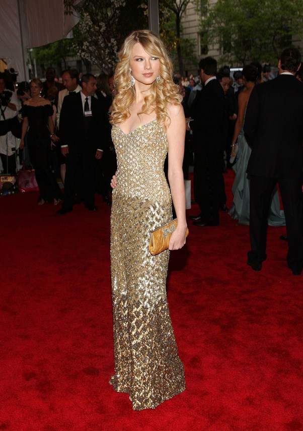 <strong>2008</strong> <br><br> When Taylor Swift still exclusively wore sparkly gowns and romantic curls on the red carpet.