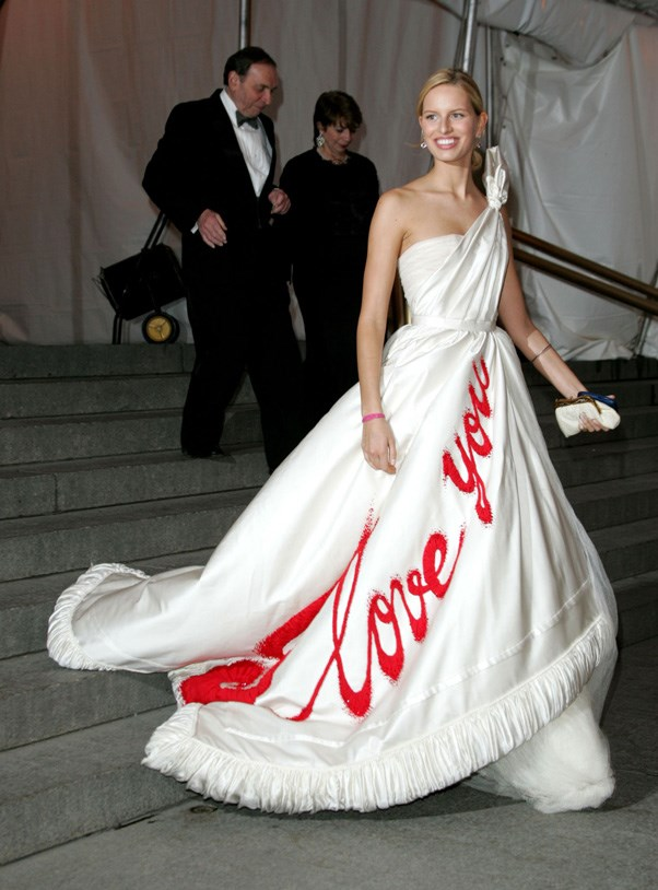 <strong>2005</strong> <br><br> When Karolina Kurkova spread the love in Viktor & Rolf.