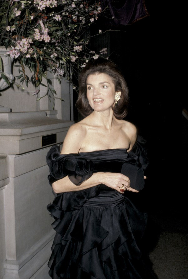 <strong>1979</strong> <br><br> When Jackie O. swathed herself in Valentino.