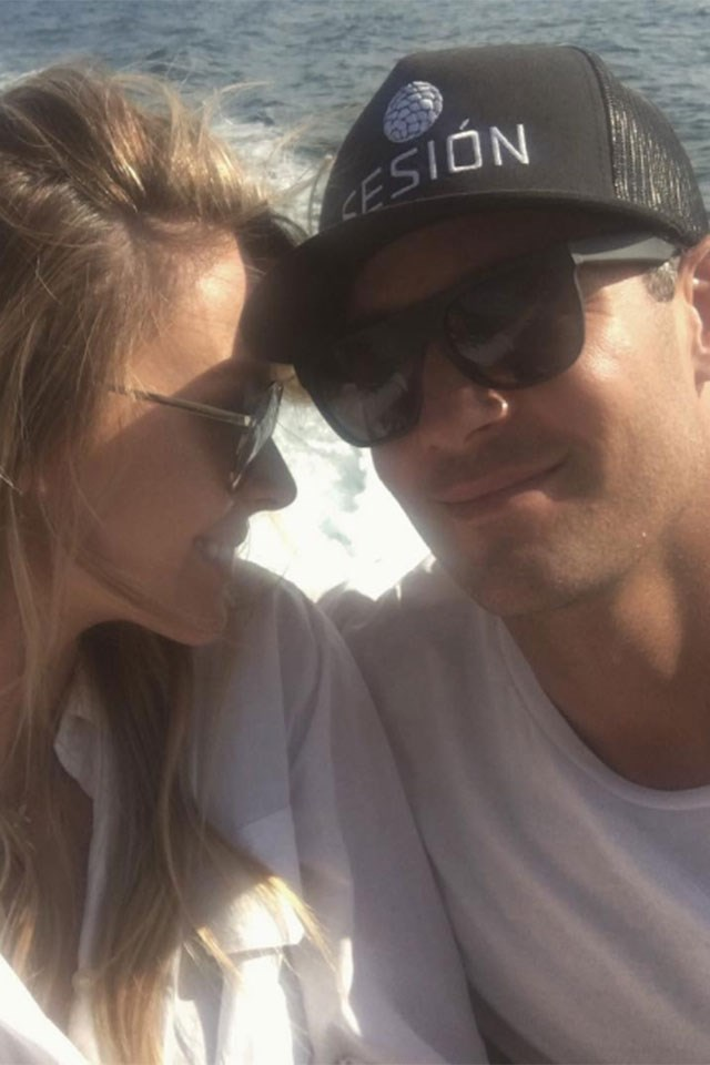 """<strong>Jennifer Hawkins</strong> <p><p> """"Beautiful long weekend with my family. Happy Easter from my fam to yours .. 💋🐰"""" <p> Image: <a href=""""https://www.instagram.com/p/BS-qI-VjrRf/?hl=en"""">@Jenhawkins_</a>"""
