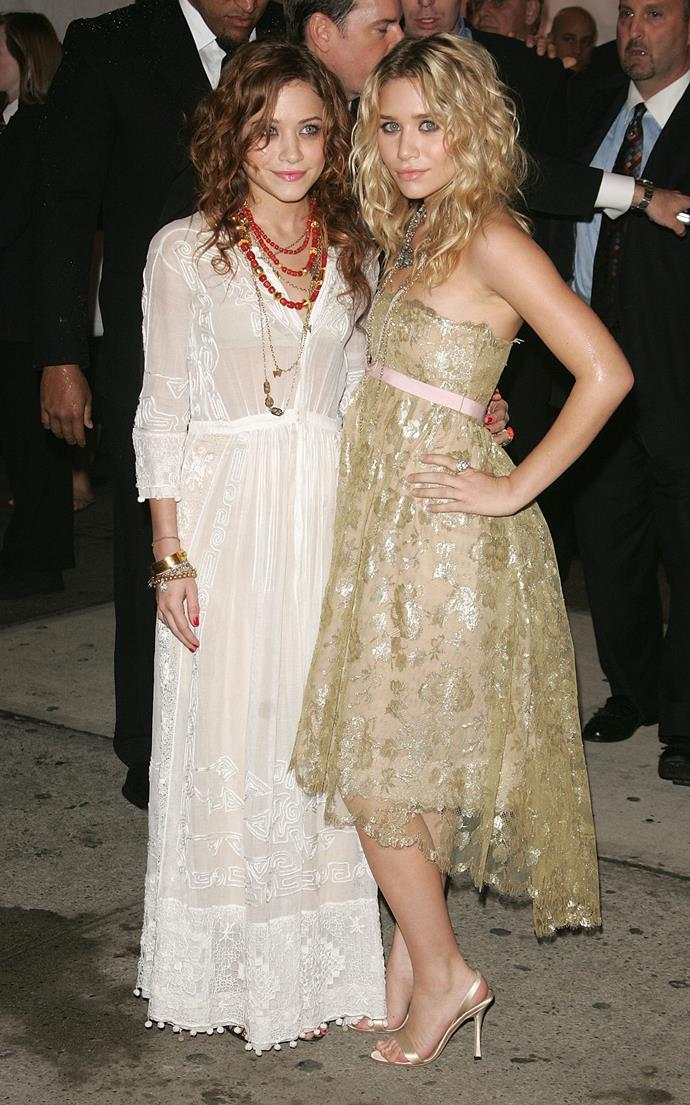 <p><strong>MARY-KATE AND ASHLEY OLSEN</strong> <p>in Chanel, 2005
