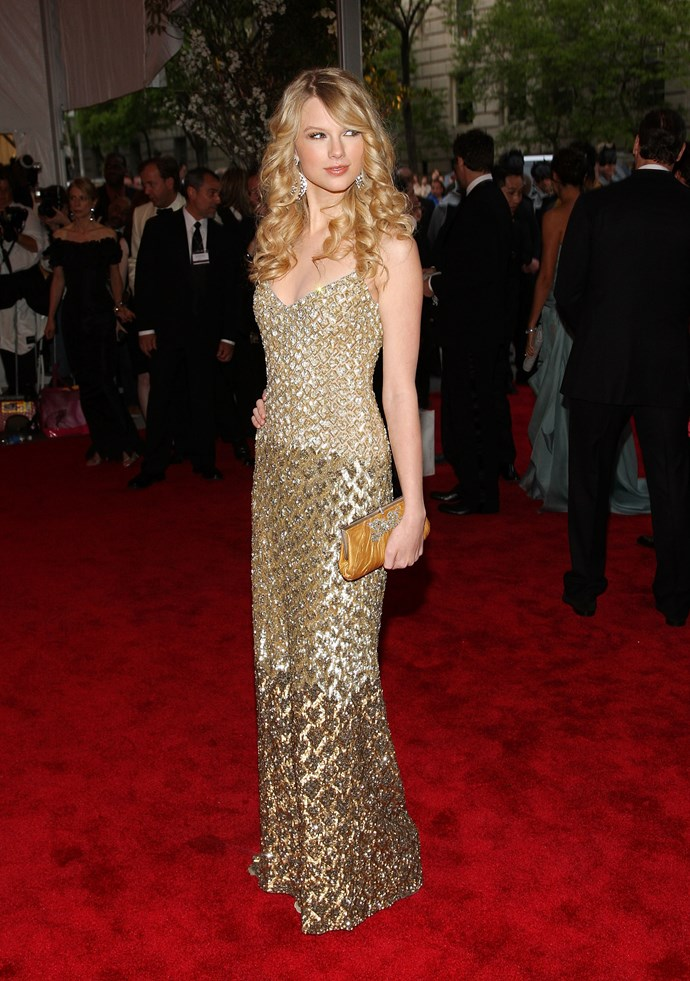<p><strong>TAYLOR SWIFT</strong> <p>in Badgley Mischka, 2008