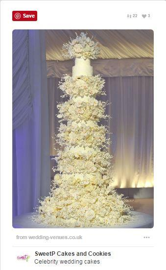 "<p><strong>Catherine Zeta-Jones & Michael Douglas</strong> <p>When Douglas and Zeta-Jones tied the knot back in 2000, they celebrated with an over-the-top, ten-tiered vanilla and buttercream cake, completely adorned in sugar flowers. Five-tiers just isn't thinking big enough. <p><em>Via: <a href=""https://cz.pinterest.com/pin/8444318031543711/"">Pinterest/bethadd</a></em>"