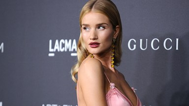 You'll Never Guess How Many Selfies Rosie Huntington-Whiteley Takes Before Posting