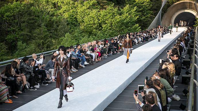 All the must-see details from Louis Vuitton's show-stopping Cruise '18 show, staged at the Miho Museum in Japanese mountains.