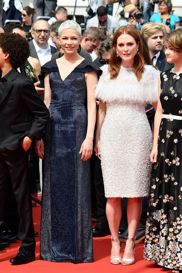 Michelle Williams in Louis Vuitton and Julianne Moore in Chanel