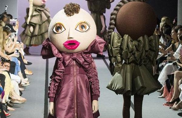 Life-Size Dolls Walked The Runway At Viktor & Rolf