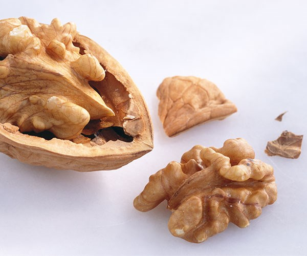 Snacking On Walnuts Could Prevent You From Overeating Later On