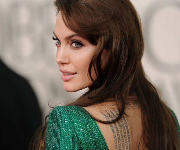 Angelina Jolie getting back together with Brad Pitt