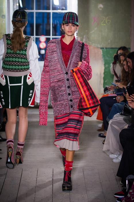 Kaia Gerber on the runway at Burberry.