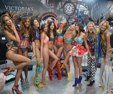 How To Watch The 2017 Victoria's Secret Fashion Show In Australia