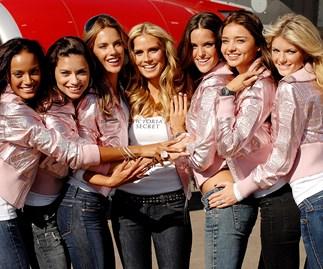 Victoria's Secret Angels boarding flight