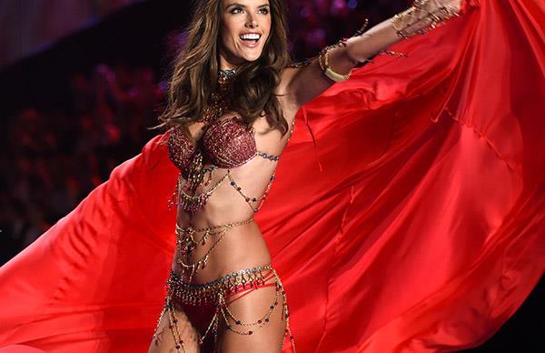 Alessandra Ambrosio's Last Victoria's Secret Fashion Show