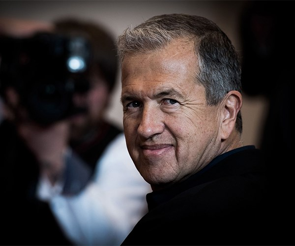 Burberry, Michael Kors, And Stuart Weitzman Drop Mario Testino After Sexual Assault Claims