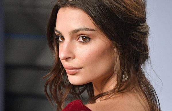 The Facial Wand Emily Ratajkowski Used In The Lead Up To The Oscars