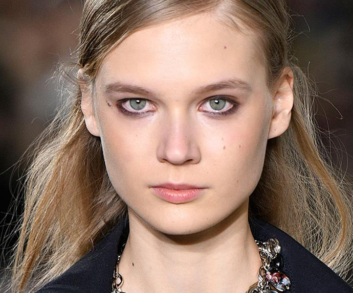 5 NINETIES BEAUTY RULES TO TAKE FROM THE RUNWAYS