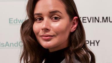 How To Get Sara Crampton's 'High Maintenance Waves' From Backstage At Fashion Week