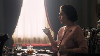 Netflix Shares First Look At Olivia Colman As Queen Elizabeth In 'The Crown' Season 3