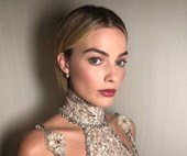 Margot Robbie Redefines The Naked Dress For The 'Mary, Queen Of Scots' Premiere
