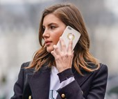 4 Surprising Ways Your Smartphone Is Ruining Your Skin